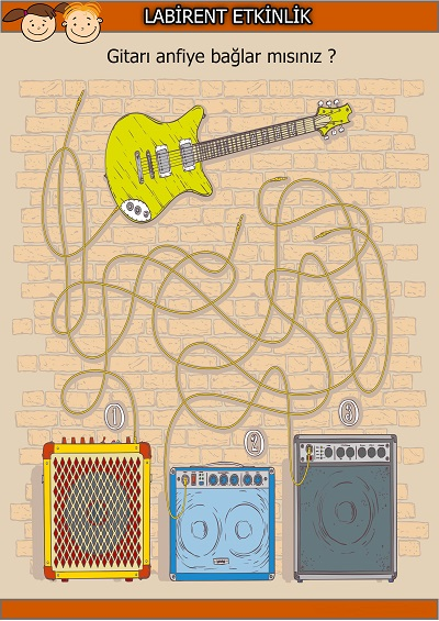 Gitarı anfiye bağlama labirent bulmaca etkinliği
