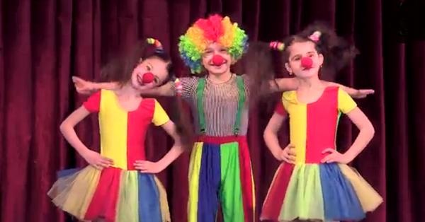Palyaço çocuk gösterisi (video)