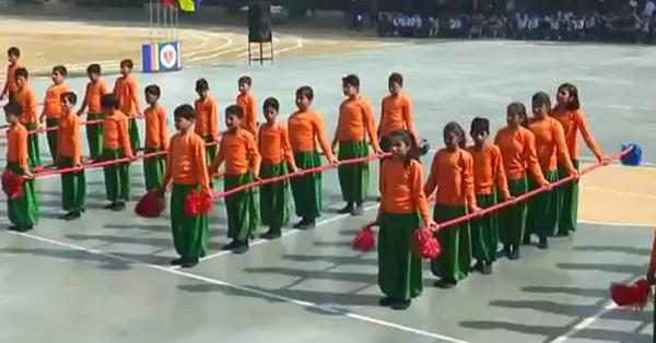 Bambu ritmik okul gösterisi (video)
